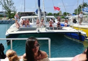 Tiami catamarans-setting off to party, sail, snorkel, dine and dance